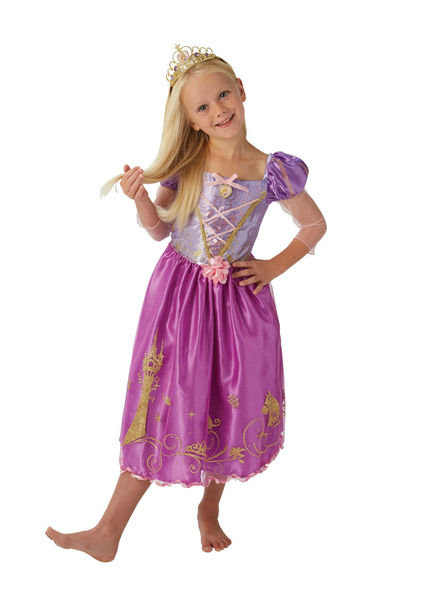 Satumaisen kaunis Tähkäpään prinsessamekko täydentyy tiaralla. a54c077d4b